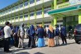 Puluhan mahasiswa IAIH Pancor demo rektorat menuntut SPP diturunkan