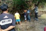 Semula 2 bocah ini hendak mengumpulkan pasir di sungai, tanpa diduga sesosok mayat muncul