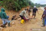 Satgas TMMD-warga bersinergi bangun drainase di Konawe Kepulauan