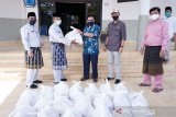 Peduli COVID-19 di Siak, karyawan BOB salurkan 100 paket sembako