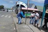 Terapkan satu pintu masuk, Pasar di Bartim dipasangi kawat berduri