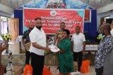 Kapolda Papua serahkan bahan pokok di gereja El Roi Sentani Jayapura
