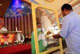 Umat katolik di Kupang mulai beribadah bersama di gereja