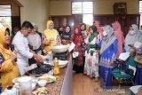Tingkatkan imun dari COVID-19, Forikan Siak latih ibu-ibu memasak bahan olahan ikan