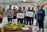 HUT ke 74 BNI wilayah Padang dirayakan serentak dalam berbagi di tengah pandemi