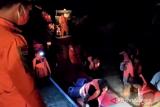 Basarnas mengevakuasi 21 orang penumpang kapal tenggelam di Wakatobi