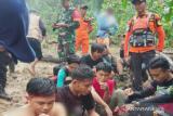 Tim SAR gabungan evakuasi 10 orang pendaki tersesat di Konawe Utara