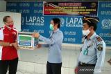 BLK Kendari berikan 1.000 masker pada Lapas Kelas IIA