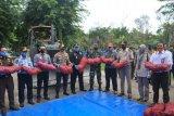 1.155 karung bawang merah ilegal dimusnahkan