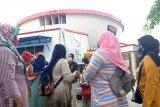 Puluhan wali murid datangi kantor DPRD Padang pertanyakan soal PPDB zonasi yang pertimbangkan umur