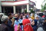 Protes PPDB zonasi, puluhan wali murid datangi kantor DPRD