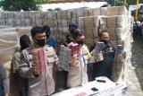 Polda Riau sita 10,6 juta batang rokok disembunyikan bersama kelapa