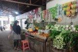 Pedagang sayur di Antang terus mengeluhkan kurangnya pembeli akibat COVID-19