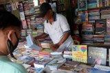 Penjualan buku pelajaran sekolah