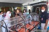 AP I membantu satu unit ambulans kepada Pemkab Kulon Progo