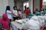 Tes cepat 236 pedagang pasar di Minahasa Tenggara non reaktif