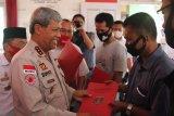 Bupati Lampung Tengah bagikan surat izin UKM