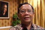 Mahfud MD tetap bentuk tim pemburu koruptor meski dikritik KPK