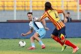 Bek Lazio Patric disanksi empat laga karena menggigit lawan