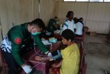 Satgas TMMD gelar pengobatan kesehatan warga Kampung Natabui