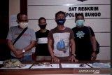 Polisi tangkap tiga pelaku perampokan bersenjata api yang menggasak uang korban Rp50 juta