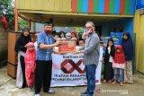 OJK Sultra menyalurkan bantuan sosial di empat panti asuhan di Kendari