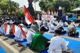 Seratusan warga Kudus unjuk rasa tolak RUU HIP