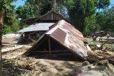 Korban banjir Sigi butuh pakaian dan selimut