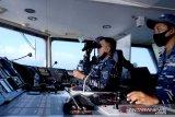 Tiga Kapal perang AL dan pesawat TNI AU kerja sama taktis di perbatasan
