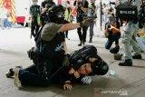 UU keamanan baru berlaku, lembaga independen Hong Kong digeledah