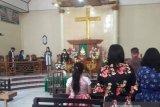Jemaat GMIM mulai beribadah di gereja dengan protokol COVID-19