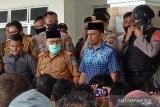 Pemda hentikan pembangunan 'tower' Telkomsel,  warga demo DPRD Bangkep