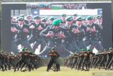 Presiden Jokowi minta perwira remaja TNI/Polri kejar perkembangan zaman