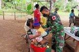 Prajurit TNI keliling kampung bantu layani pengobatan di perbatasan RI-PNG