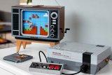 Konsol retro Nintendo NES 1980s dalam bentuk Lego