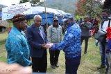 Partai Demokrat Papua bantu pembangunan tiga gereja
