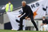 Jose Mourinho nilai MU beruntung tapi layak masuk empat besar
