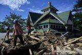 Sebanyak 14.483 jiwa mengungsi akibat banjir bandang Luwu Utara