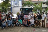 10 relawan FKIP Unismuh salurkan bantuan untuk korban banjir Luwu Utara