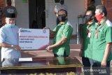 PT Semen Baturaja bantu Pemkab OKU satu unit kendaraan truk pengangkut sampah