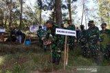 Alumni AKABRI 1995 tanam 2.500 bibit pohon di Gunung Lawu