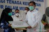Tiga tenaga medis yang gugur akibat COVID-19 terima santunan