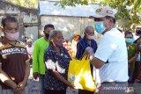 Bupati salurkan bantuan pangan kepada warga di kepulauan