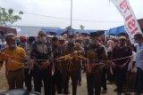 Bupati Hendrajoni resmikan gedung BPP dan serahkan bibit jagung di Pancung Soal