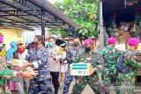Lantamal VI salurkan bantuan bagi warga terdampak banjir bandang di Masamba