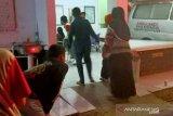 Puluhan warga desa di Cianjur Jabar keracunan usai menyantap nasi kotak
