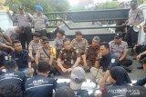 Puluhan mahasiswa Inhu dukung jaksa ungkap dugaan korupsi di DPRD