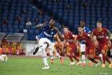 Romelu Lukaku selamatkan Inter dari kekalahan di markas Roma