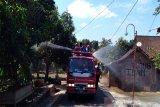 Desa Kalangan disemprot disinfektan karena tujuh warganya positif COVID
