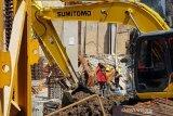 Empat pekerja bangunan proyek Hotel Awann Sewu Semarang tewas tertimpa tembok